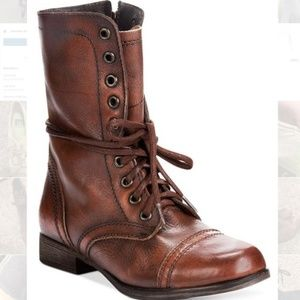 Vintage looking brown Steve Madden Troopa boots!!!